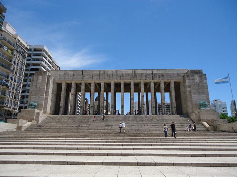 2 de junio - Monumento a la Bandera