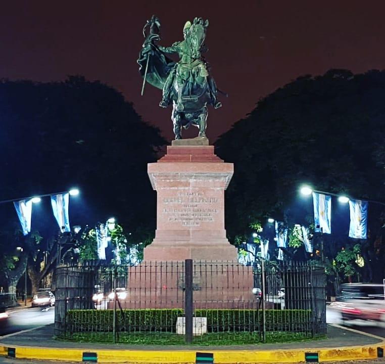 Dia de la Bandera - Monumento