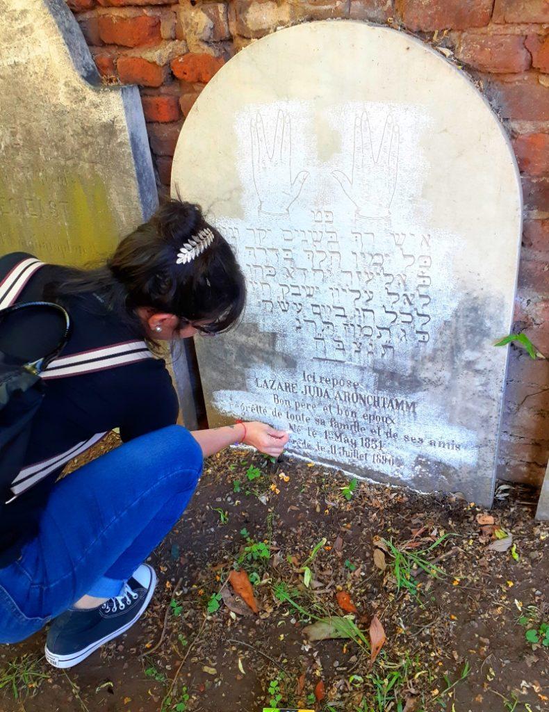 Guillermina Chiodin - Relevamiento Cementerio De Disidentes Rosario