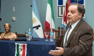 Franco Tirelli - En reunión