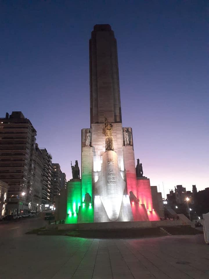 una semana - Monumento Iluminado