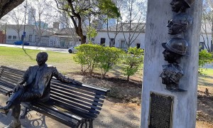 Alberto Olmedo - Estatua