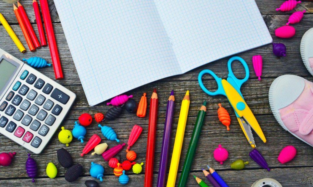 Día del Maestro - Materiales Escolares