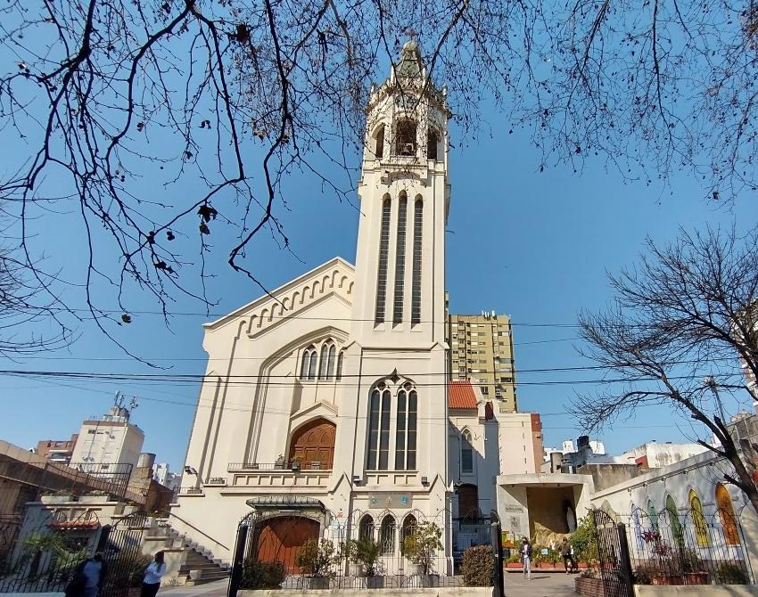 La Basílica Nuestra Señora - frente
