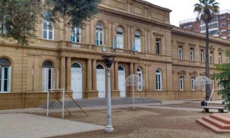 Idiomas - Escuela desde Plaza Sarmiento