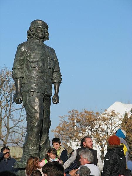 La Tablada - Estatua De Ernesto Che Guevara