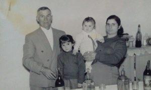 Antonela Dominguez - Caterina Mancuso Con Su Familia