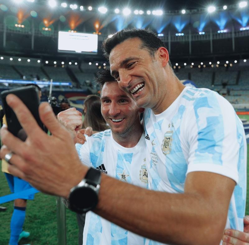 scaloni - Messi Y Scaloni