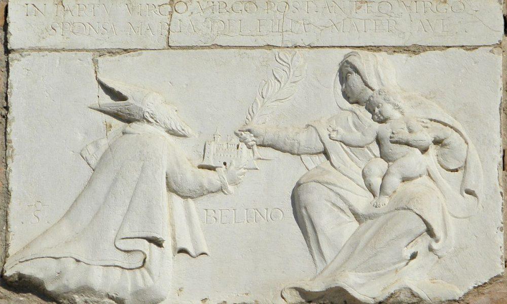 San Bellino sulla facciata di palazzo Roverella