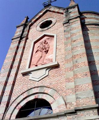 La chiesetta delle fosse con il bassorilievo della madonna del cammino