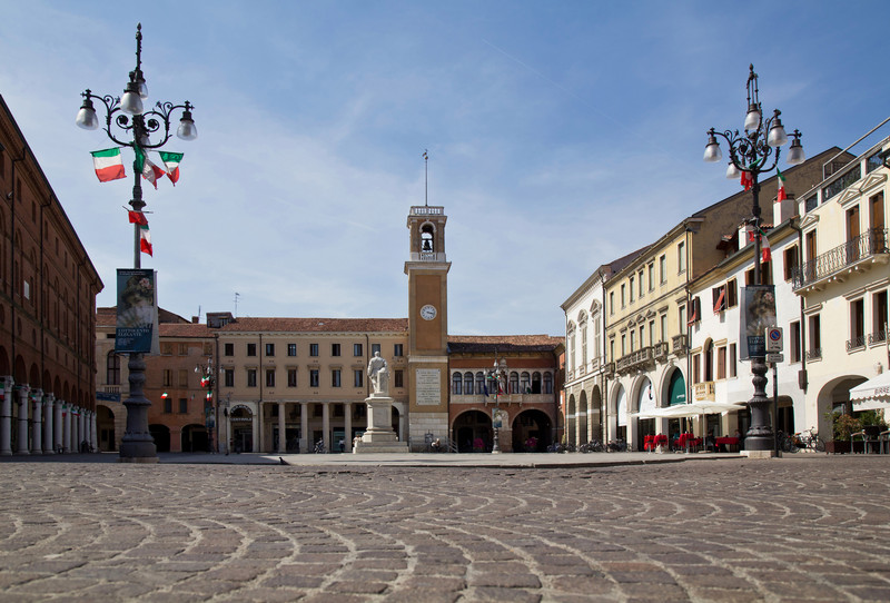 Piazza Maggiore ora Vittorio Emanuele II a Rovigo