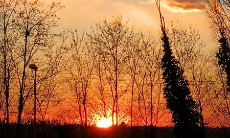 Il sole sorge alla stazione dei treni di Rovigo