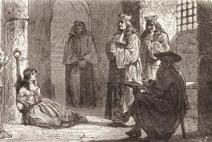 Le presunte streghe venivano incatenate per essere interrogate