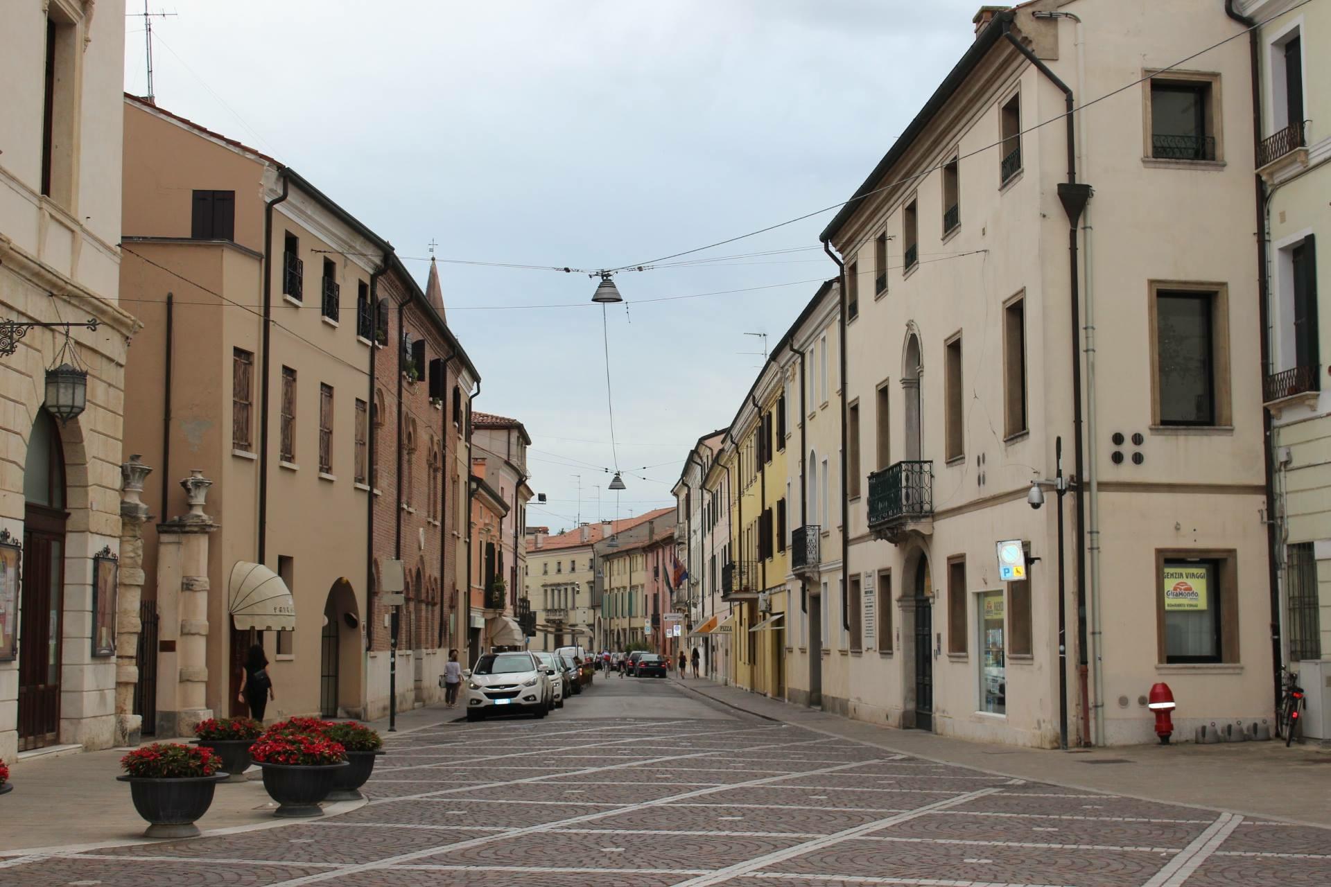 Palazzo Silvestri da Piazza Garibaldi