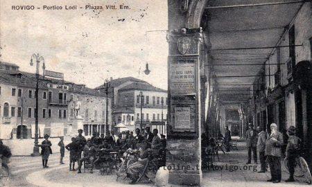 Il caffè Lodi in piazza Vittorio Emanuele, ph Facebook Mario Andriotto gruppo Rovigo de 'na volta
