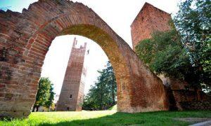 Porta Arquà, il castello e le mura cittadina