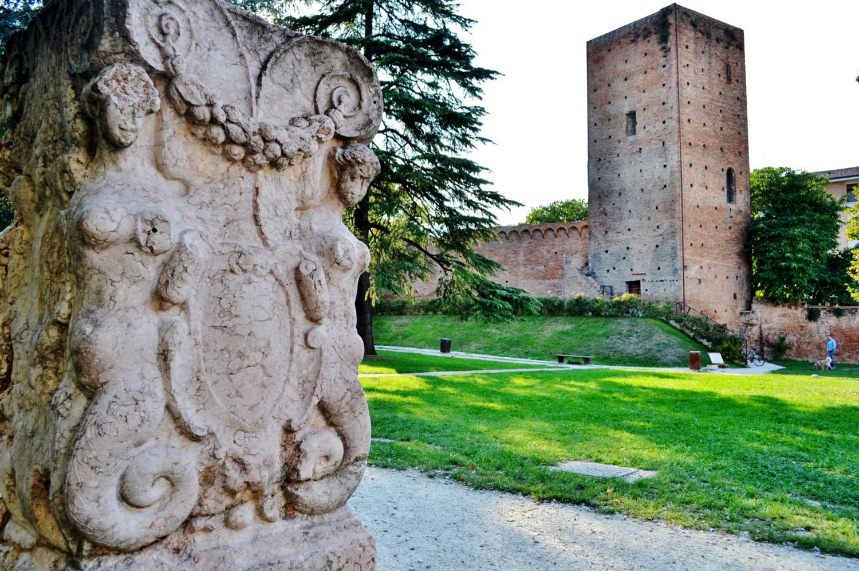 Porta Arquà, il castello e le mura cittadine
