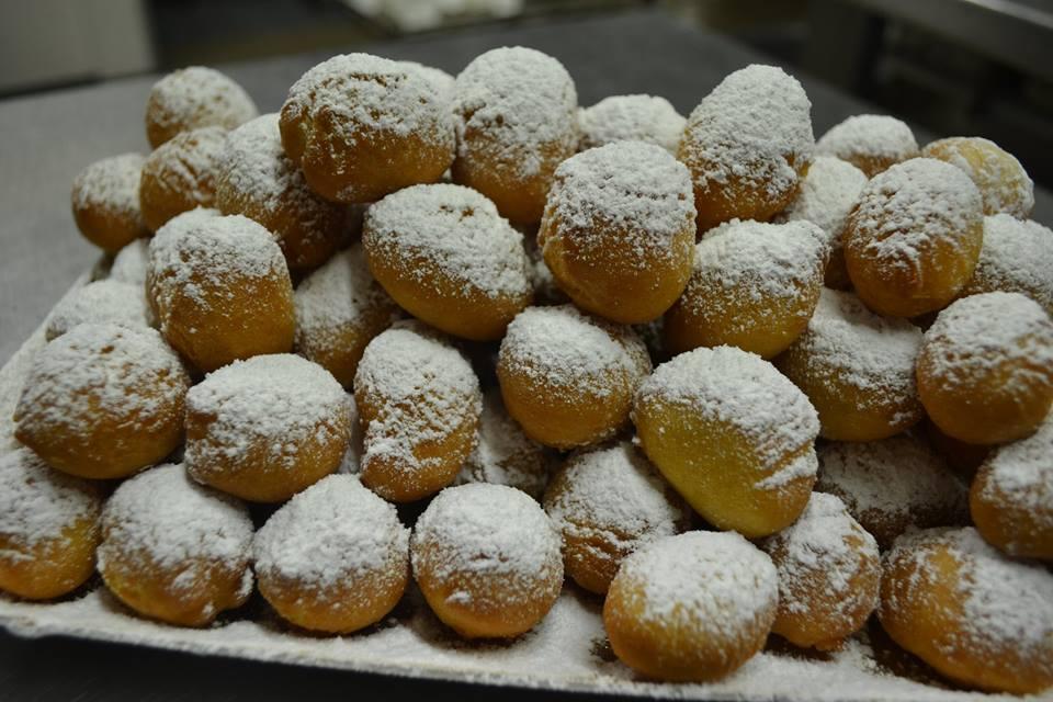 Favetti Di Carnevale In Primo Piano, Ph Pagina Facebook Panificio Barbieri Panetteria&pasticceria