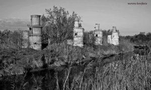 Vecchi pozzi estrazione metano a Ca' Pisani dal gruppo Facebook Polesine, scatto di Moreno Bonifacio