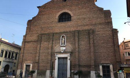 Una veduta della facciata di Piazza Duomo a Rovigo