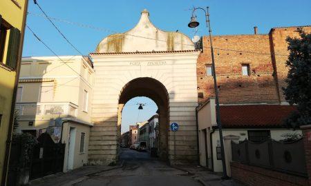 Porta Sant'agostino una delle due porte ancora intatte in città