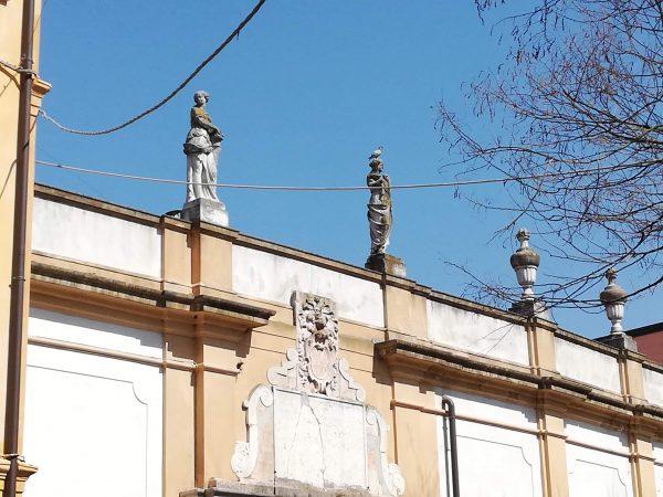 L'immagine della lapide posta dai Francesi davanti al vecchio ingresso del ghetto di Rovigo