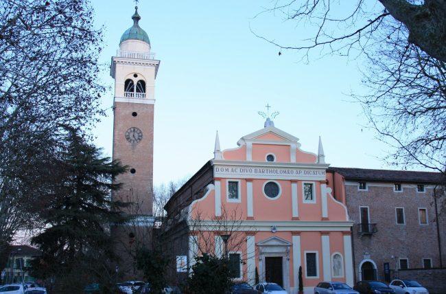 La chiesa di San Bartolomeo, esistente già durante la dominazione estense