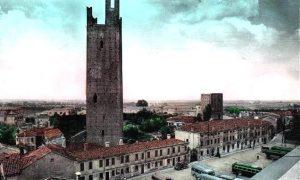 Le torri cittadine, parte delle fortificazioni durante La dominazione estense