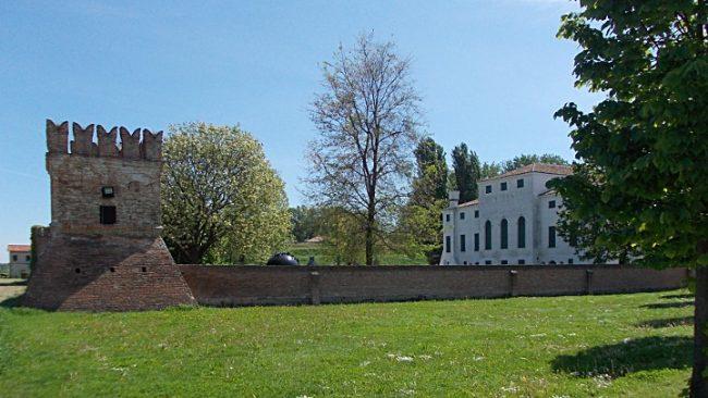Villa Morosini a Polesella, parte del Cicloturismo nella campagna del polesine
