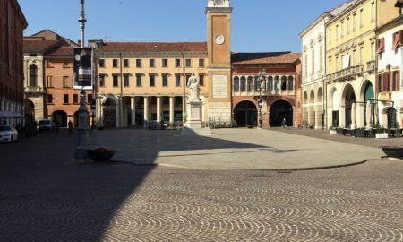 La piazza di Rovigo per arrivare al mare adriatico