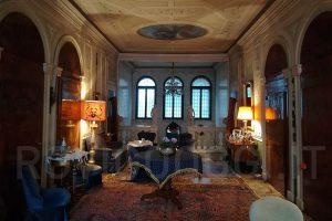 Gli splendidi interni di palazzo Rosada, in via Miani