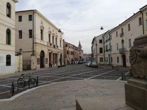 Via Silvestri vista da piazza Garibaldi