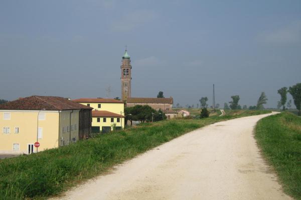 L'argine dell'Adige, parte del percorso Rovigo, la campagna e l'argine dell'Adige