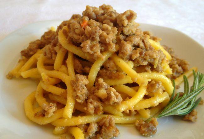 I bigoli all'anatra, piatto tipico della cucina polesana