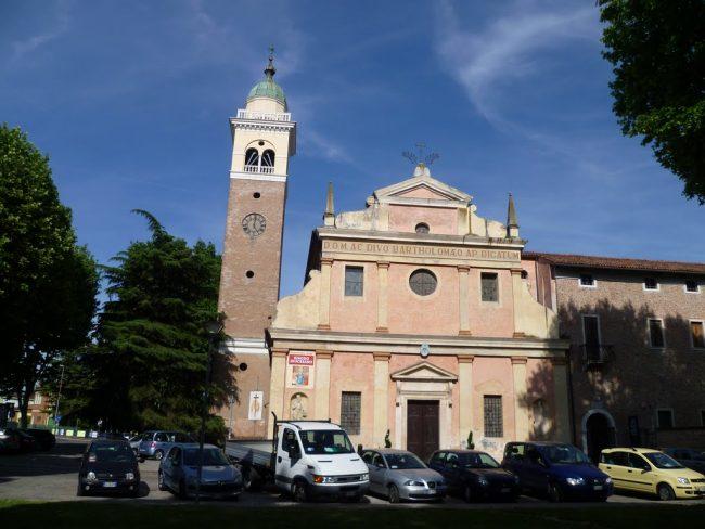 Durante la dominazione austriaca alla chiesa di san Bortolo venne cambiato il suo stato d'uso