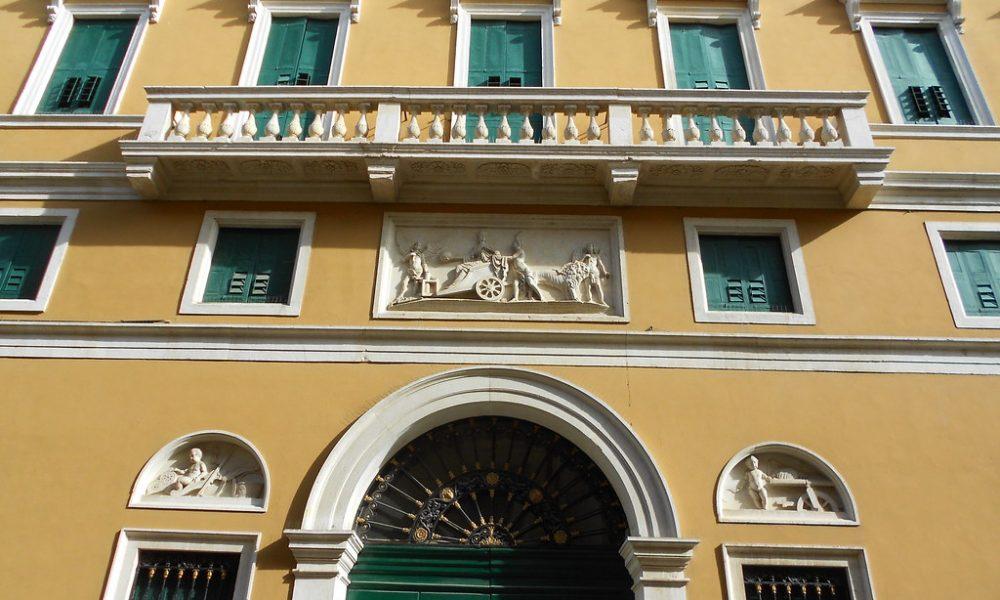 Palazzo Camerini, ristrutturato nella Seconda parte della dominazione austriaca