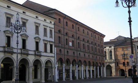 5e307868945b6 5e307868945c3800px Palazzo Roverella, Esterno Da Piazza Vittorio Emanuele Ii, Rovigo (2).jpg