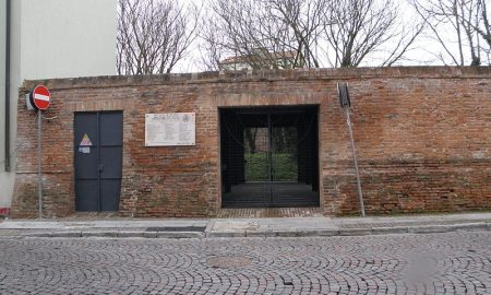 5e4e739e8be9c 5e4e739e8bea0800px Cimitero Ebraico Di Piazzale Soccorso, Cancello Entrata (rovigo).jpg