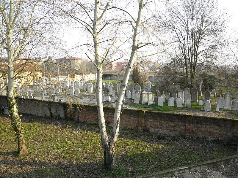 800px Cimitero Ebraico Di Via Stacche Rovigo