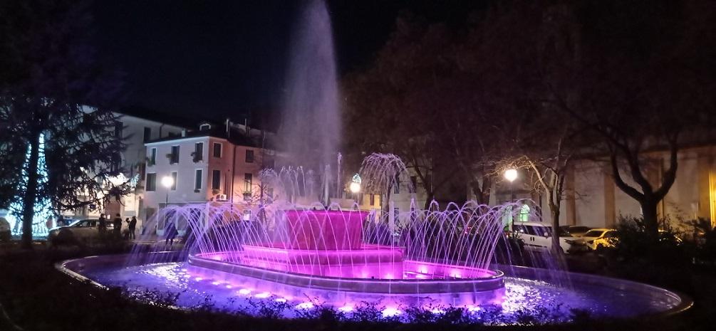 le luci di natale incantano-Fontana Rosa