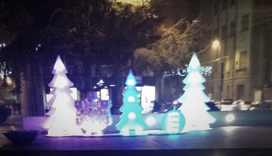 le Luci di Natale incantano- Sagome P.zza Matteotti