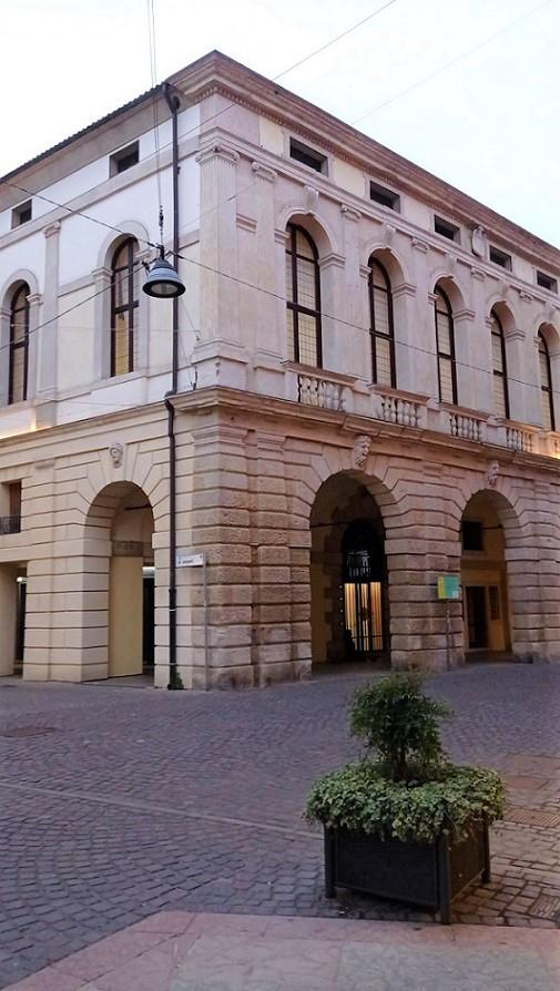 la mostra a Palazzo Roncale Angolo