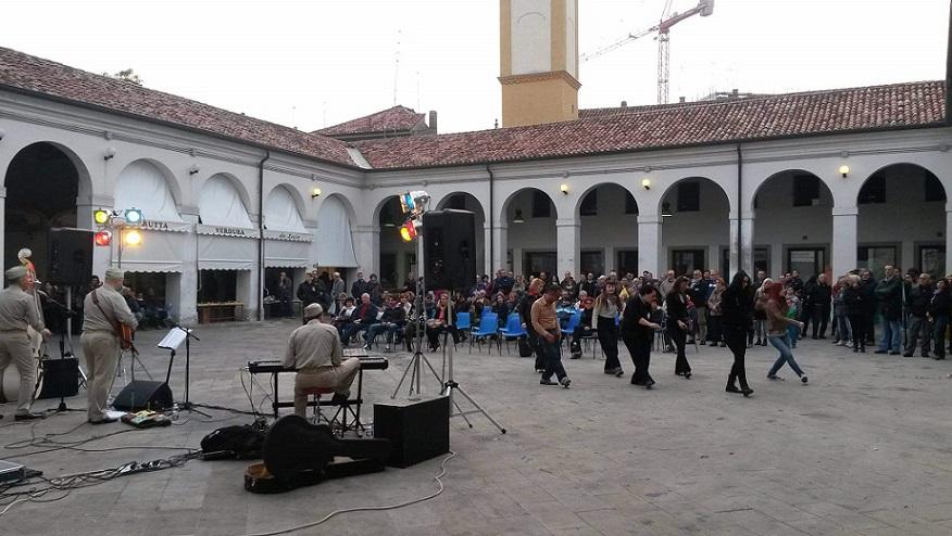 Piazza Annonaria e teatro sociale di rovigo
