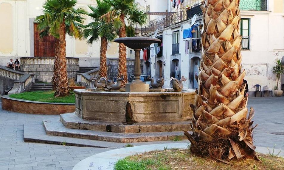 Piazza Abate Conforti avanti al Complesso Monumentale Santa Sofia