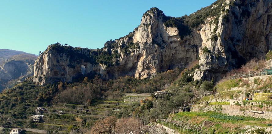 Montepertuso - Foto dal web