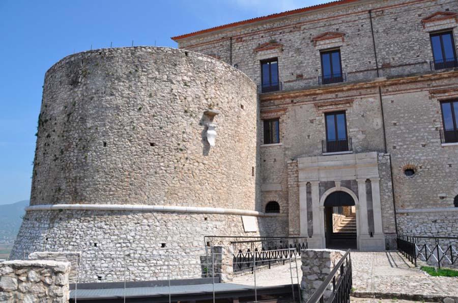 Castello Macchiaroli 2068