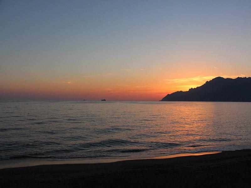 Bella - Una vista del golfo di Salerno al tramonto