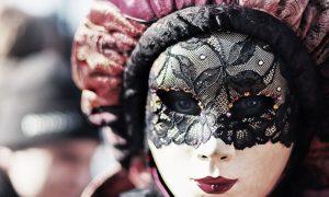 Donna Mascherata per Carnevale