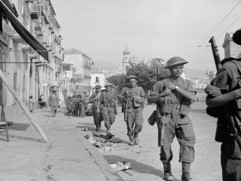 Amore - Soldati in arrivo a Salerno