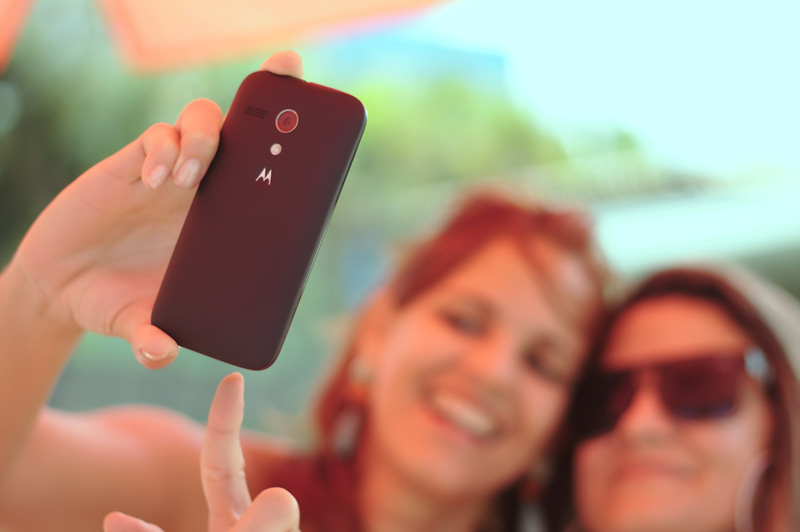 Selfie - Delle giovani ragazze si scattano un selfie